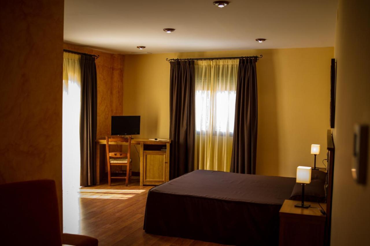 Hotels In Tózar Andalucía