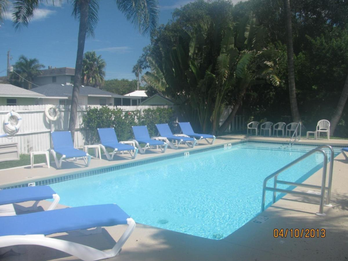 Resorts In School Key Florida