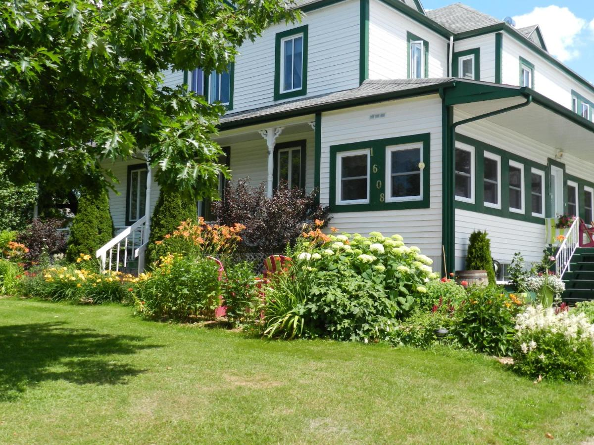 Bed And Breakfasts In Saint Adrien Quebec