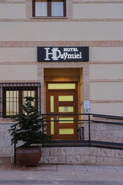 Hotels In Arenas De San Juan Castilla-la Mancha