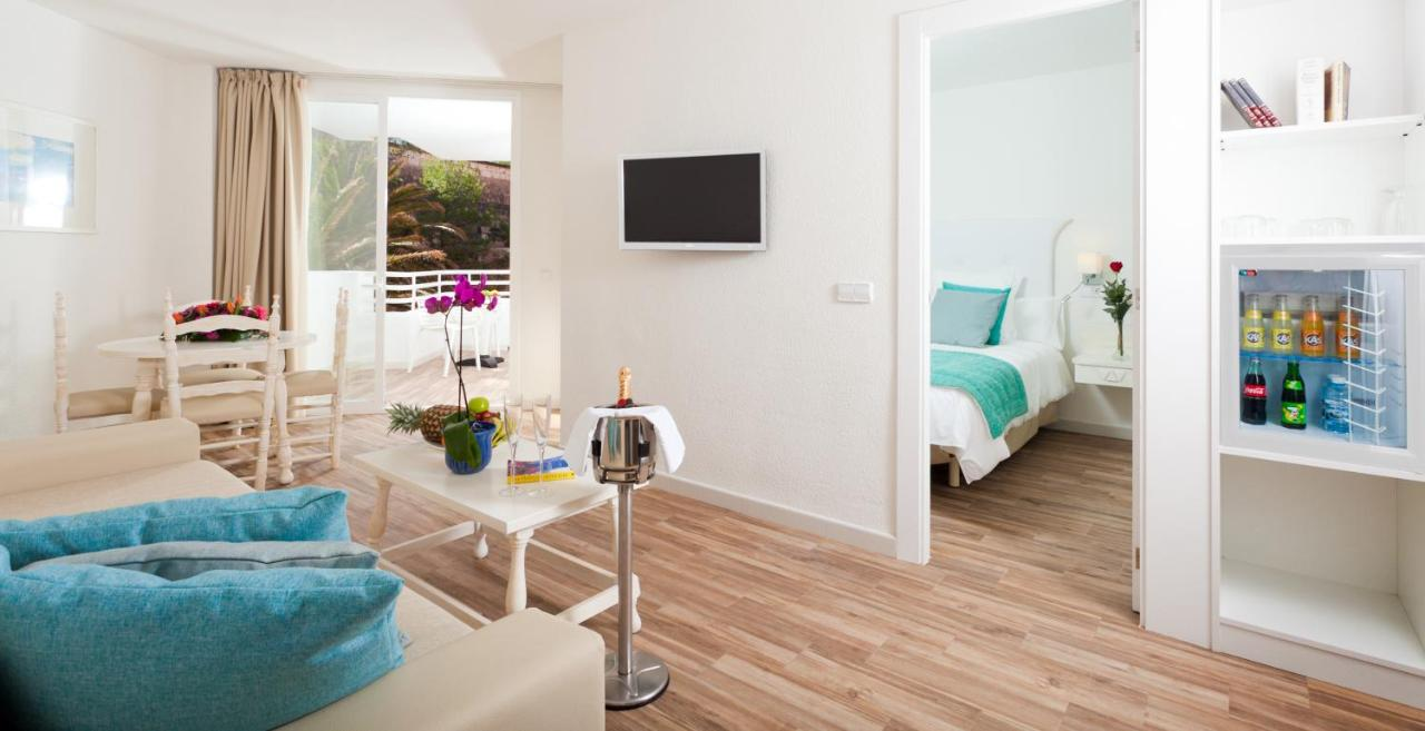 FERGUS Style Cala Blanca Suites, Santa Ponsa – Updated 2018 Prices