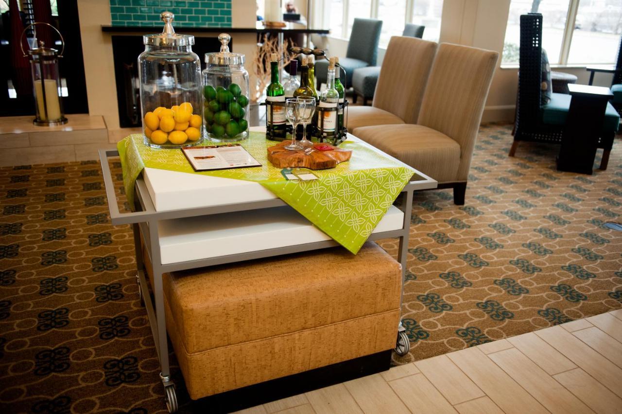 Hotel Hilton Garden Rockaway, NJ - Booking.com