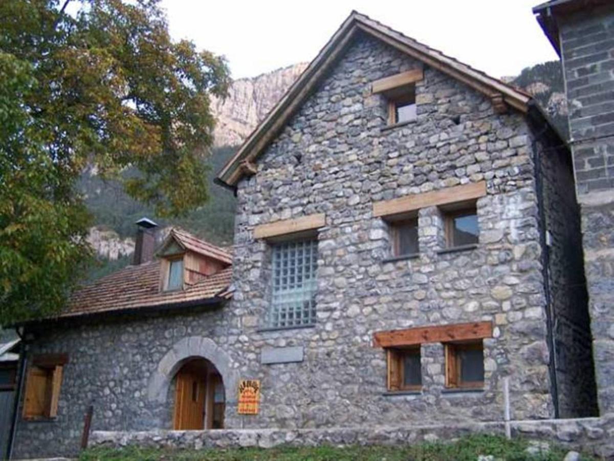 Hostels In Laspuña Aragon