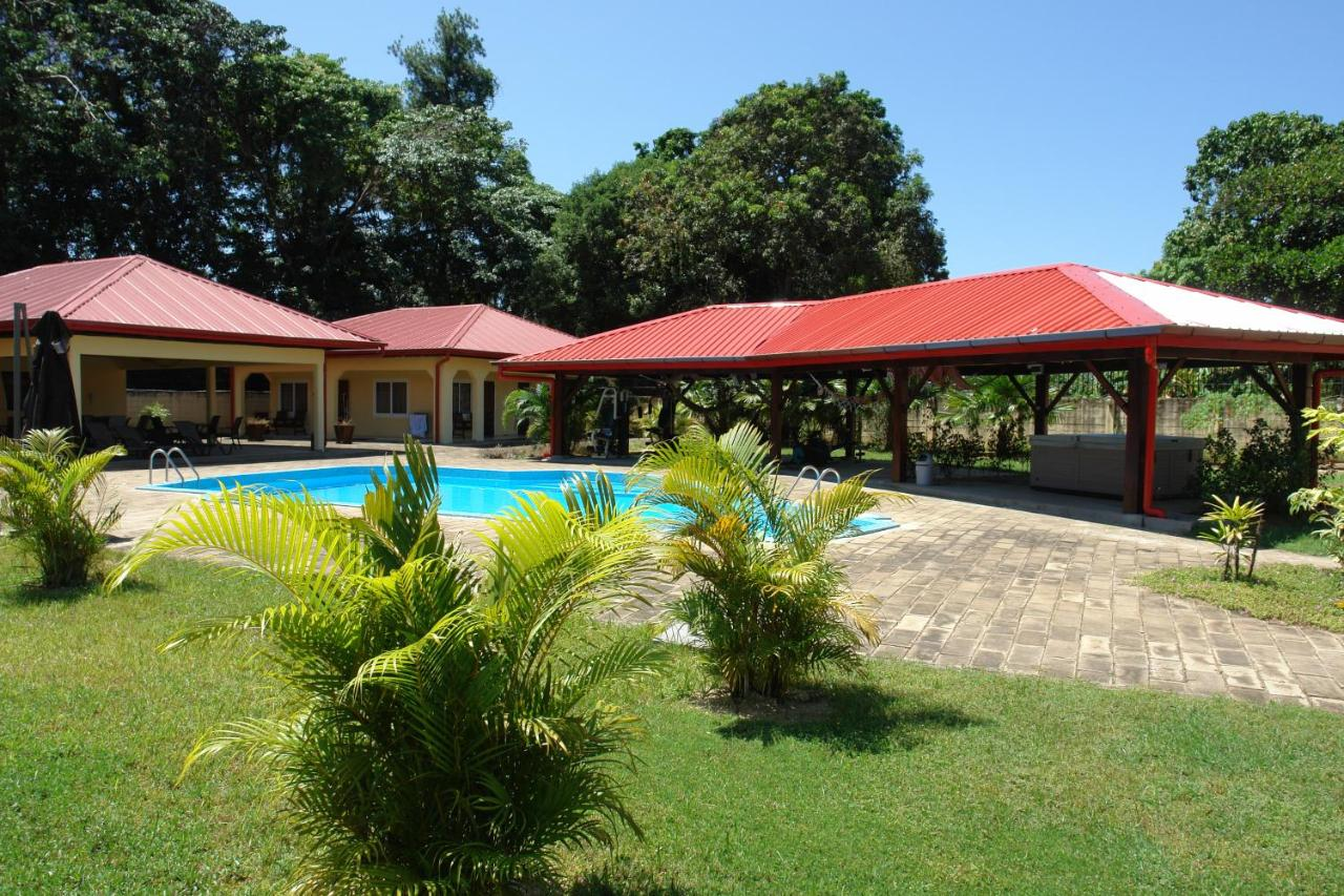 Resorts In Clevia