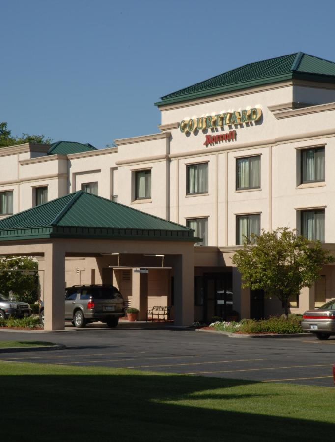 Hotels In Awosting New York State