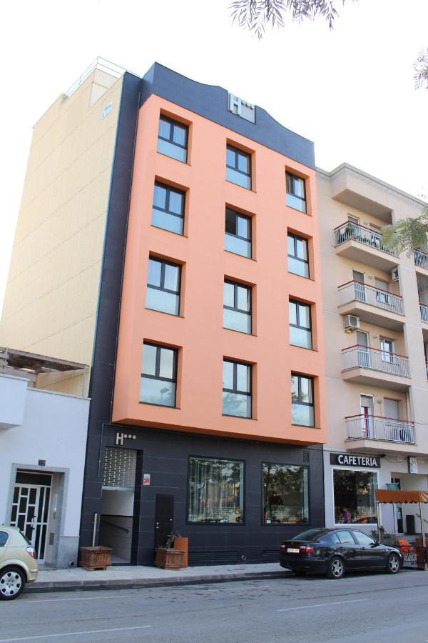 Hotels In Masdenverge Catalonia
