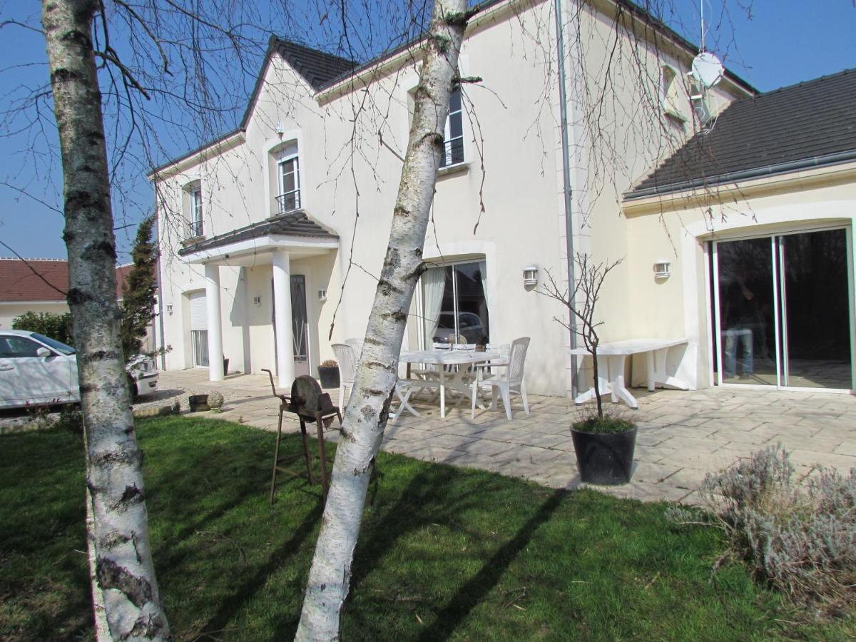 Guest Houses In Neuillay-les-bois Centre