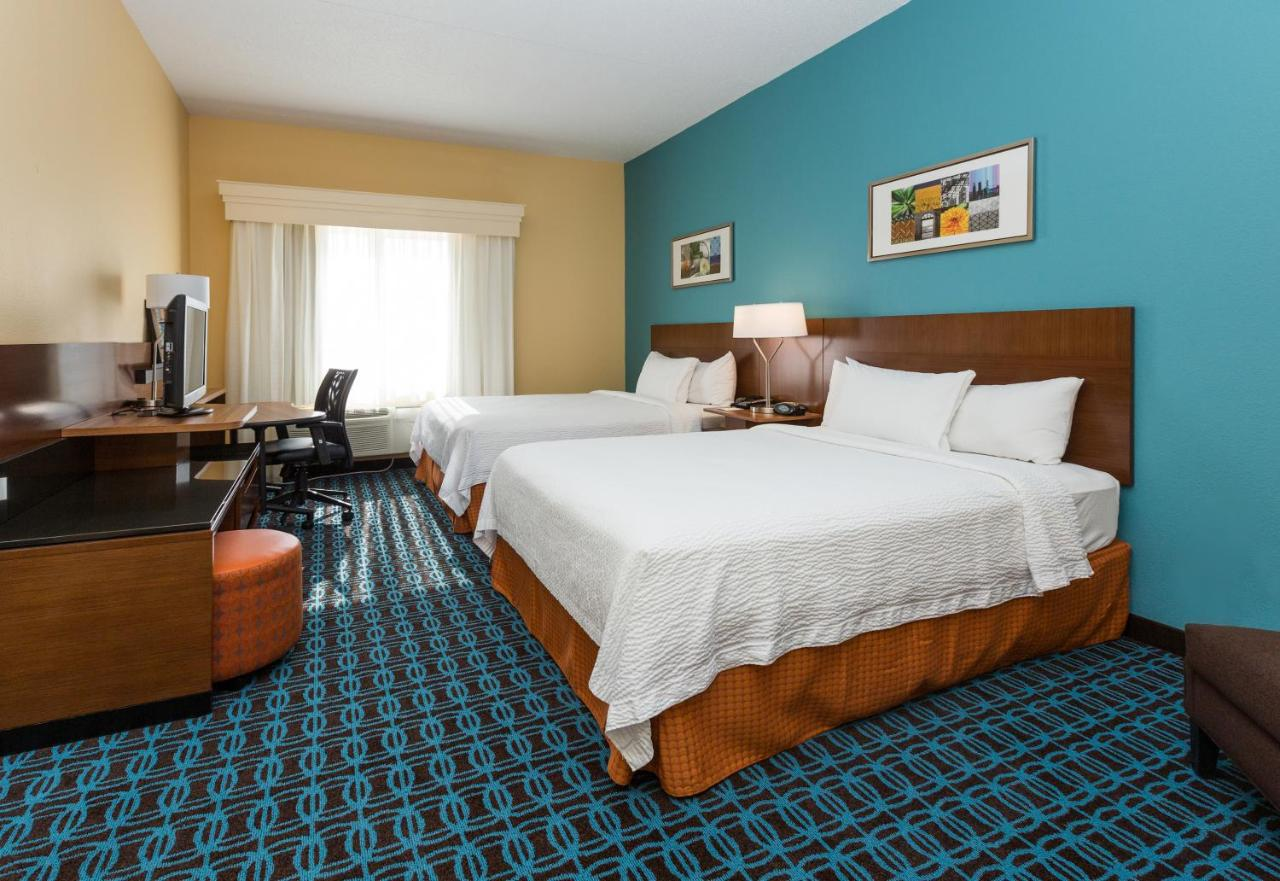 Hotels In Clive Iowa