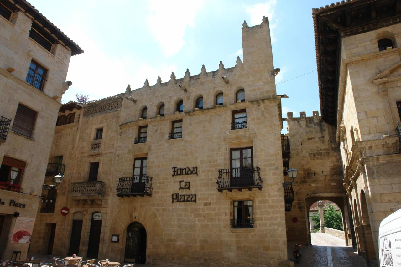 Guest Houses In Arnés Catalonia