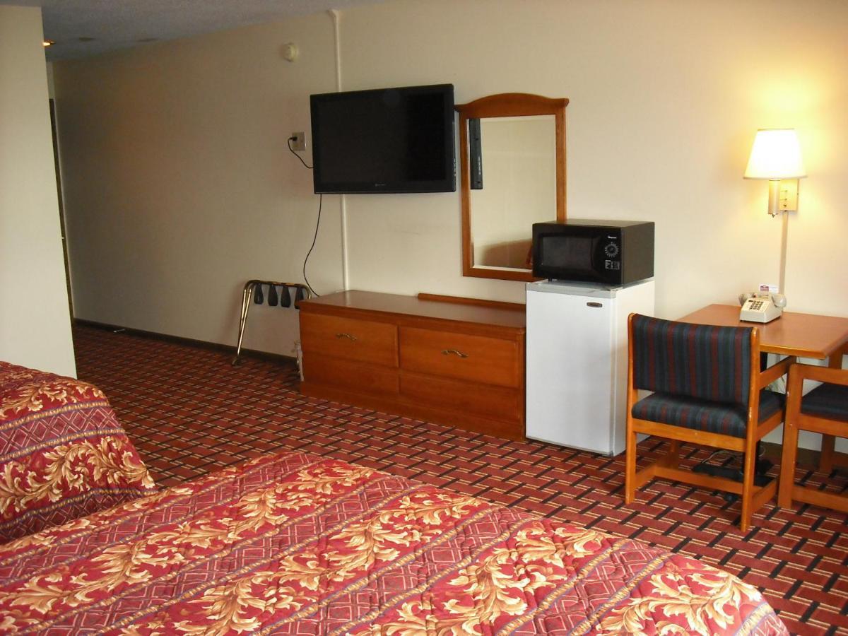 Regency Inn Hudson, WI - Booking.com