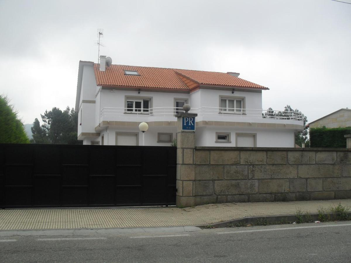 Guest Houses In Castrelo Galicia