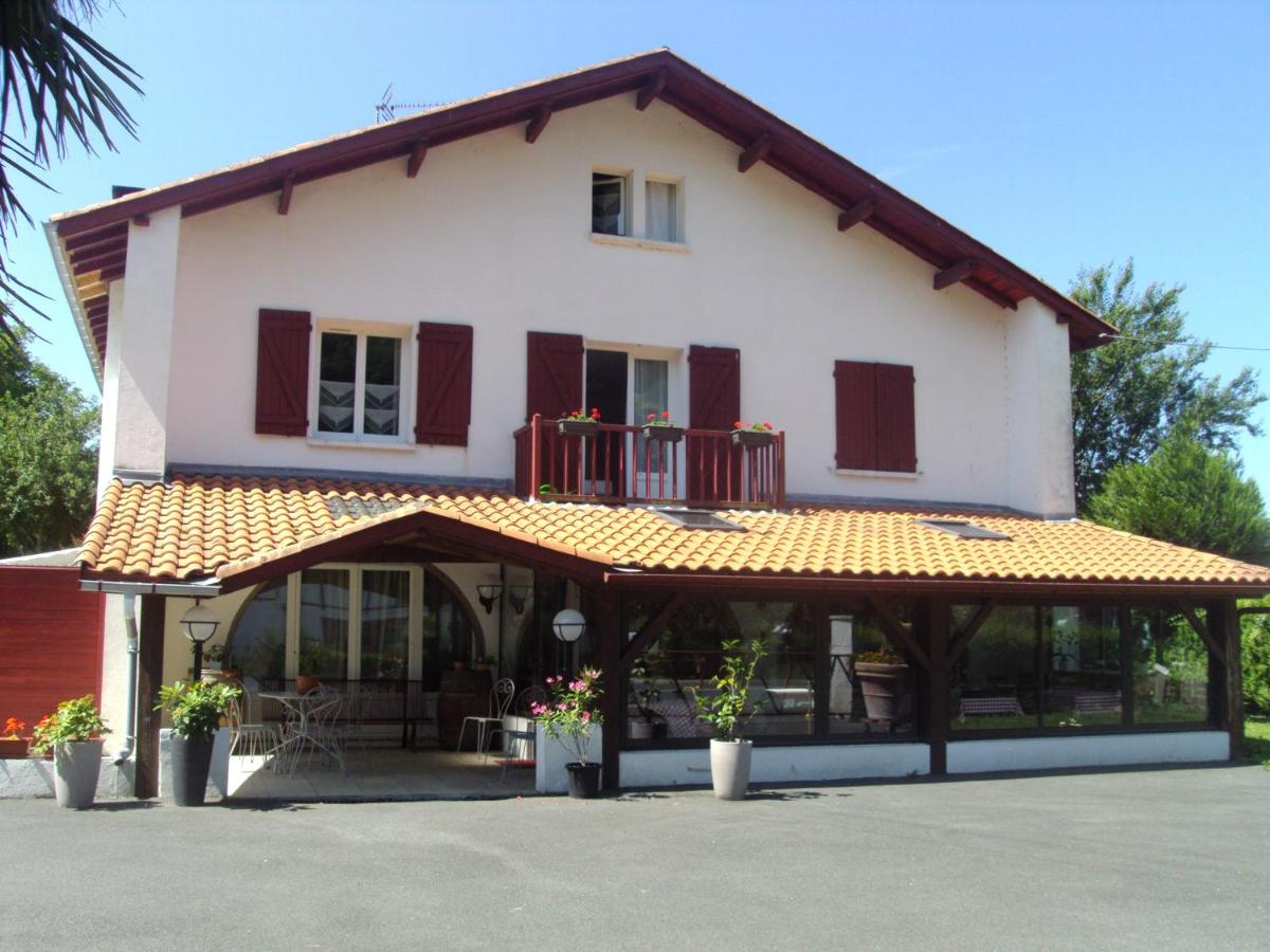Guest Houses In Uhart-cize Aquitaine