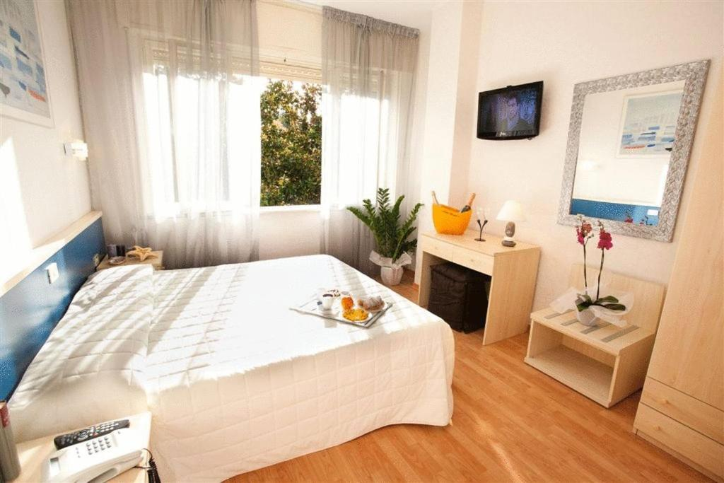 Bed And Breakfast Relais Mediterraneum Rome Italy Booking Com