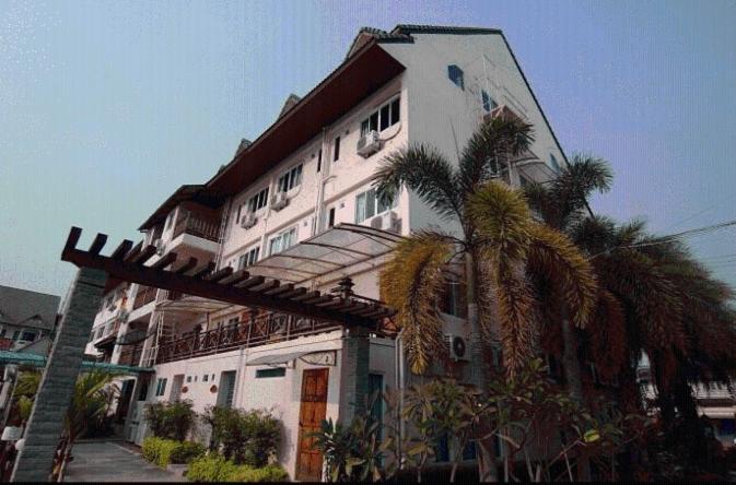 Hotels In Ban Talat Kao Chiang Rai Province