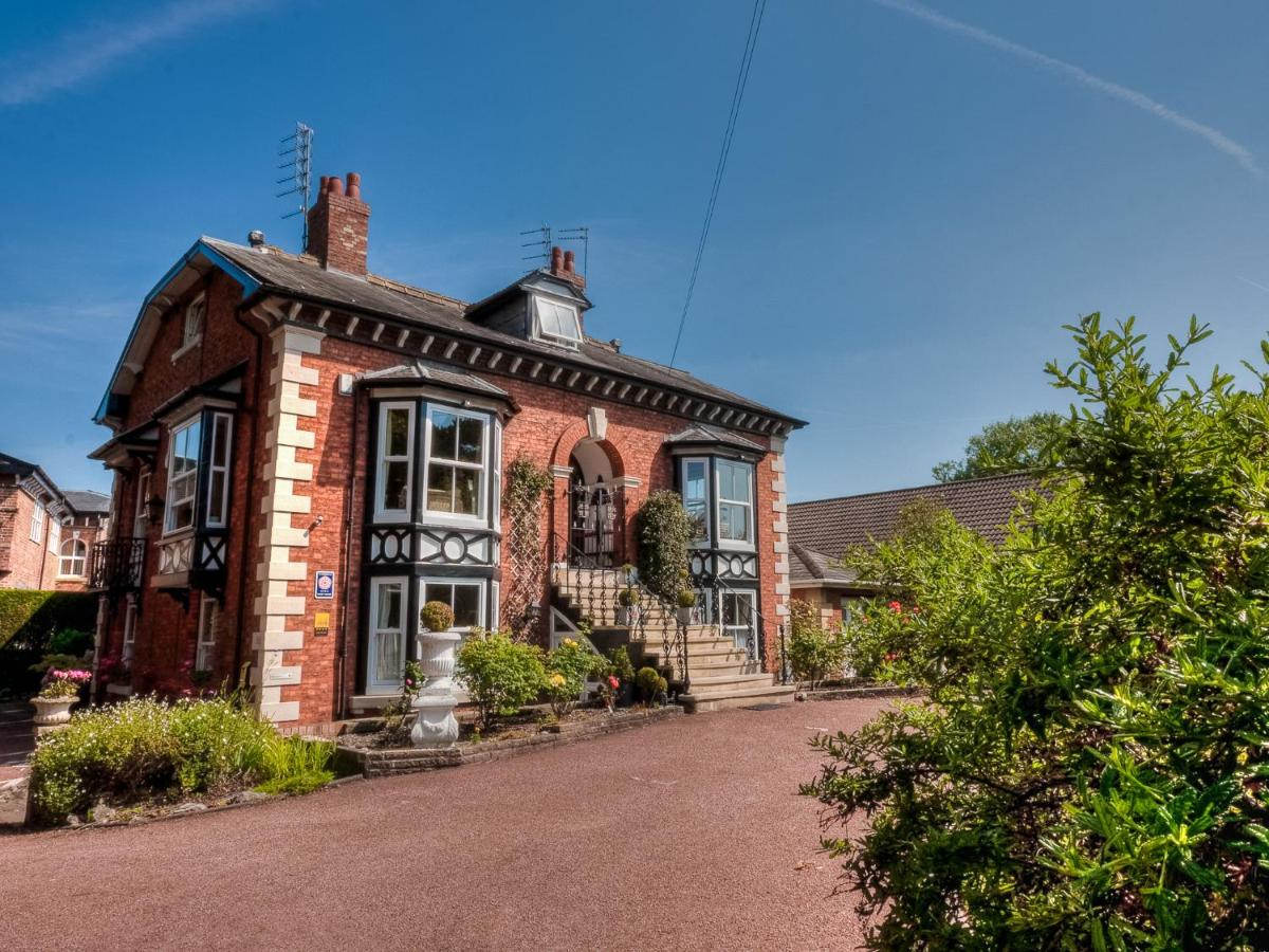 Brooklands Lodge, Sale – Updated 2018 Prices