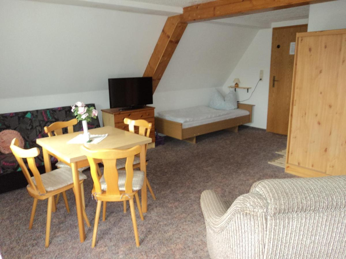 Pension Sonnenhof (Deutschland Wolkenstein) - Booking.com