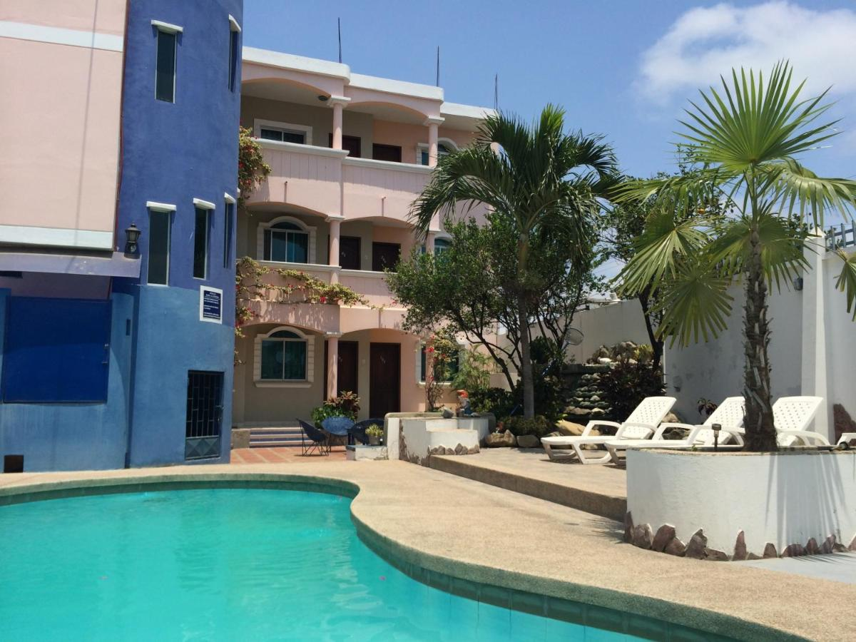 Hostels In Montecristi
