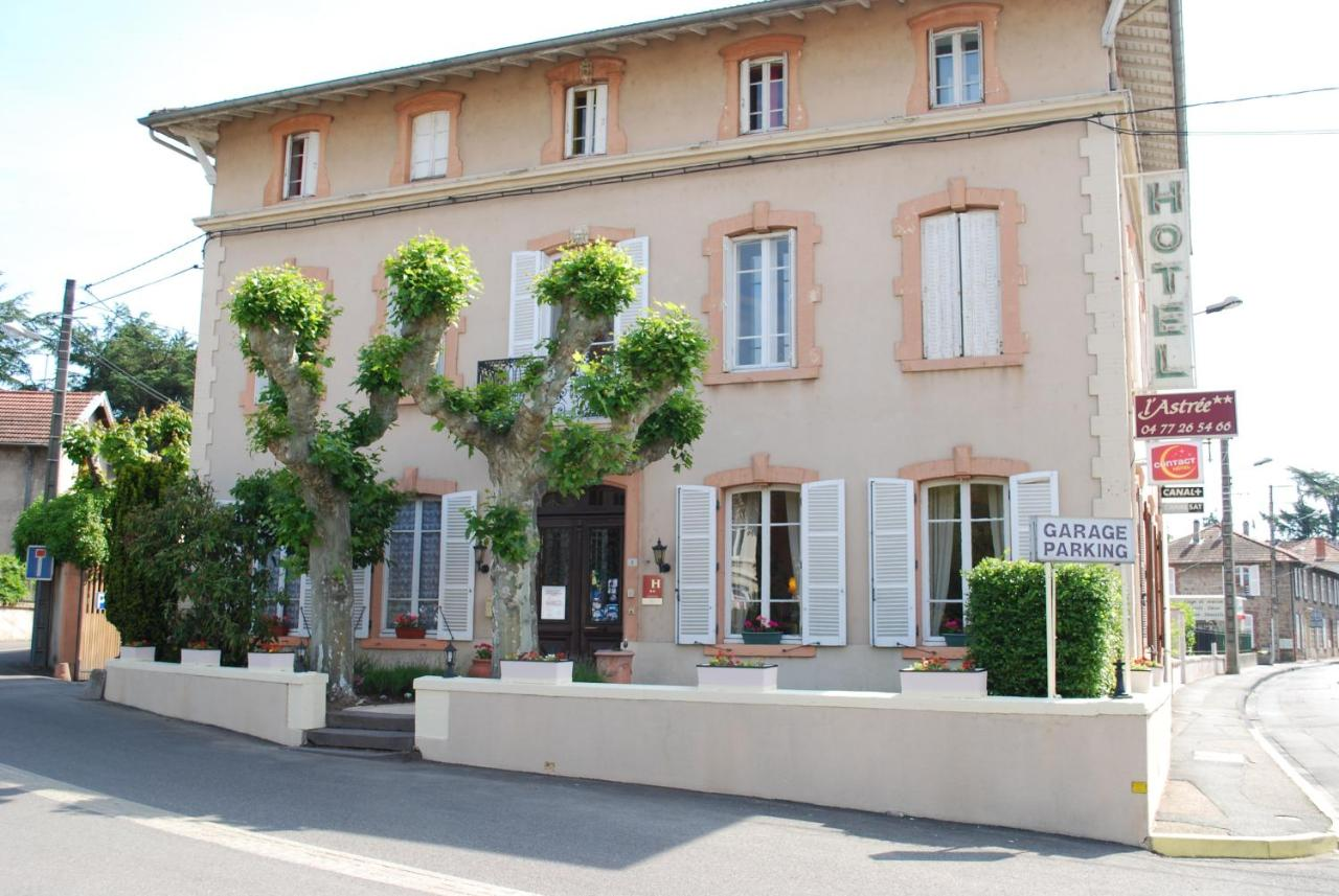 Hotels In Saint-cyr-les-vignes Rhône-alps