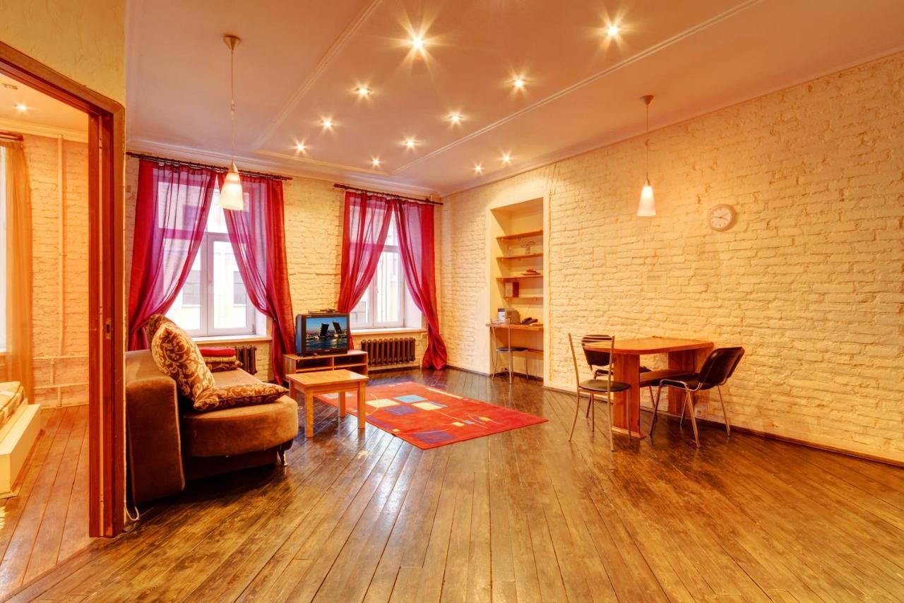 Эротический массаж в Санкт-Петербурге в квартирах девушки по вызову станция метро Большевиков