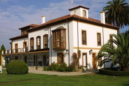 Hotels In Candanal Asturias