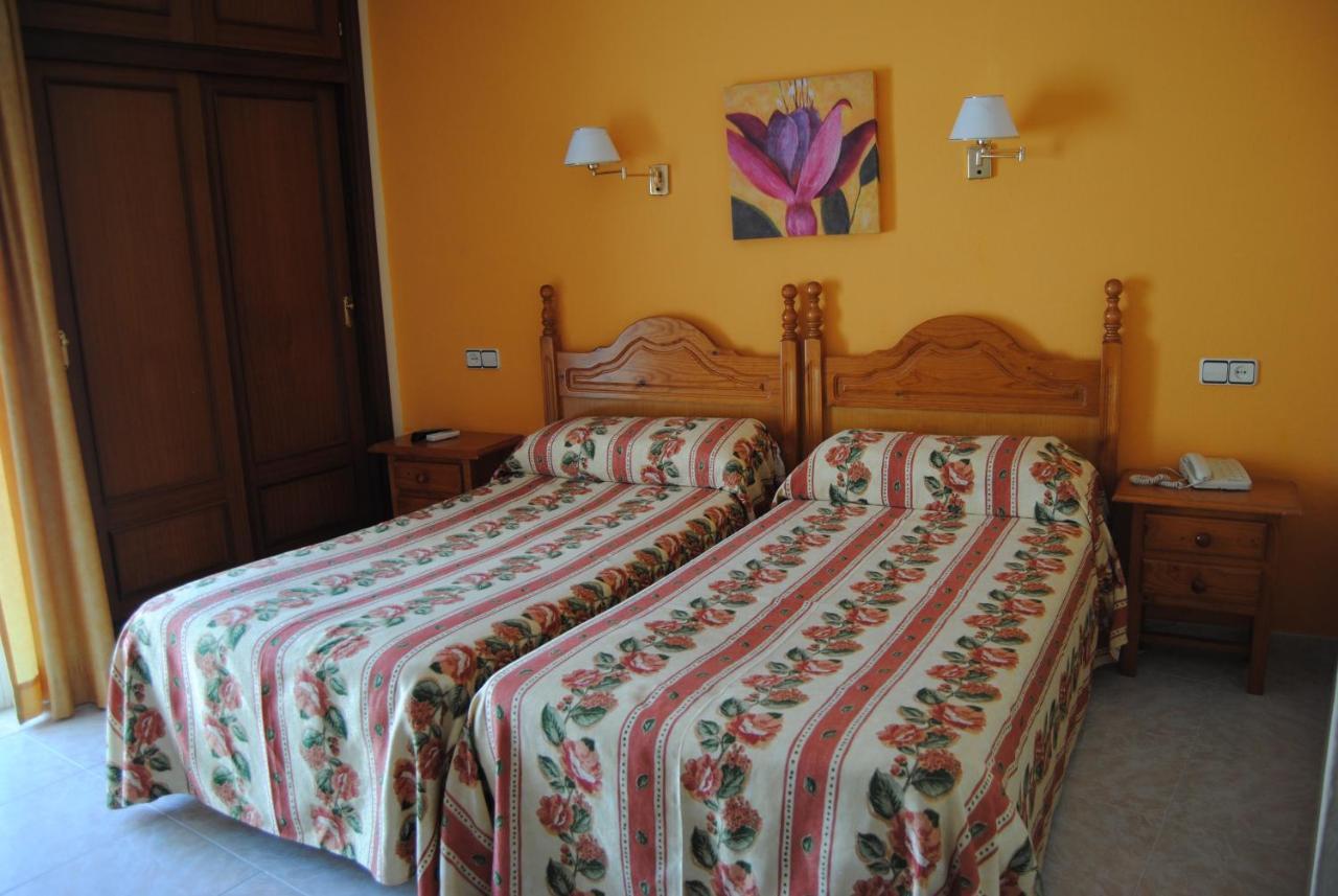 Guest Houses In Santa Fe De Los Boliches Andalucía