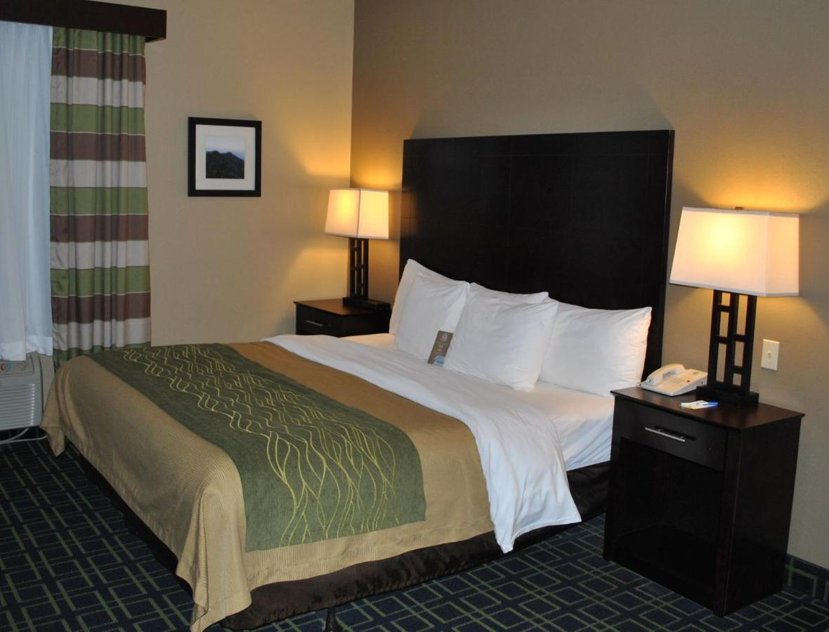 Hotels In Burnett Fields North Carolina