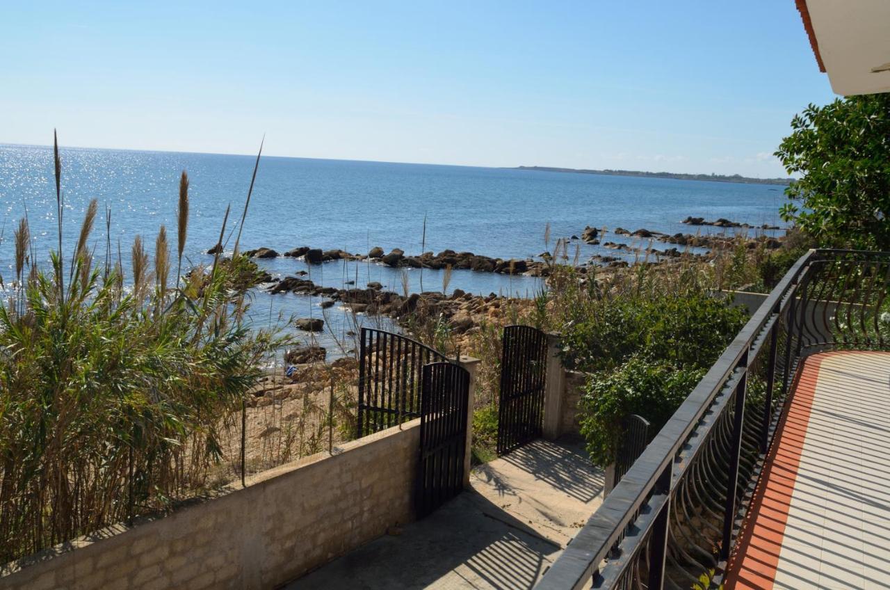 Comprare una casa in riva al mare Siracusa