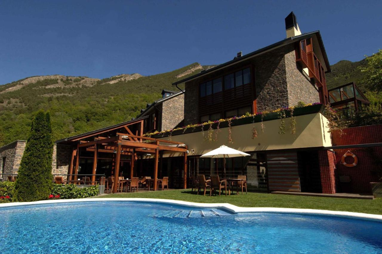 Hotels In Montescladó Catalonia