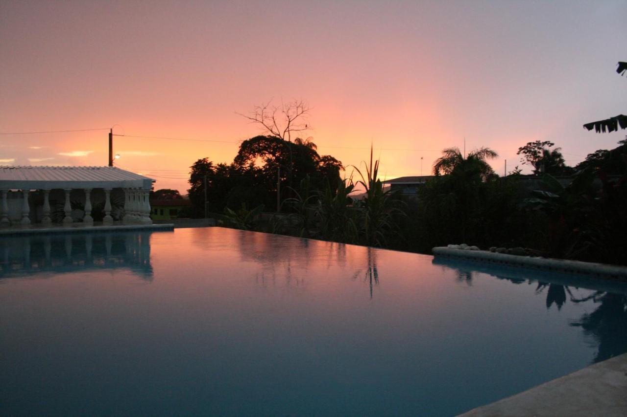 Guest Houses In Chacarita Puntarenas