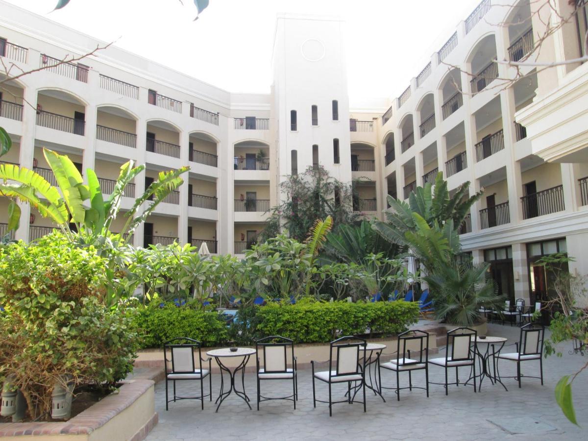 Resort Sol Y Mar Ivory Suites, Hurghada, Egypt - Booking.com