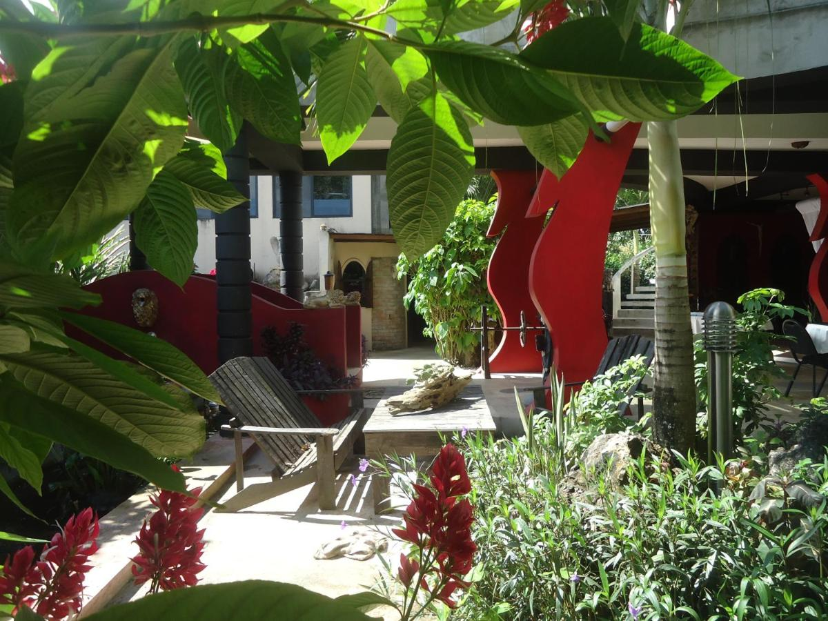 Hotels In Savannah Bank Cayo