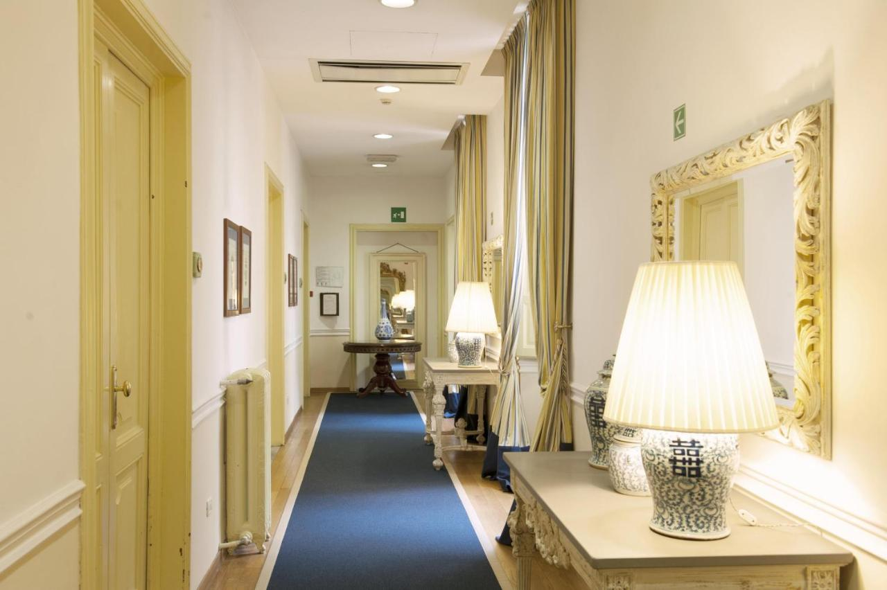 Hotel Bella Firenze Bed And Breakfast Palazzo Ruspoli Florence Italy Bookingcom
