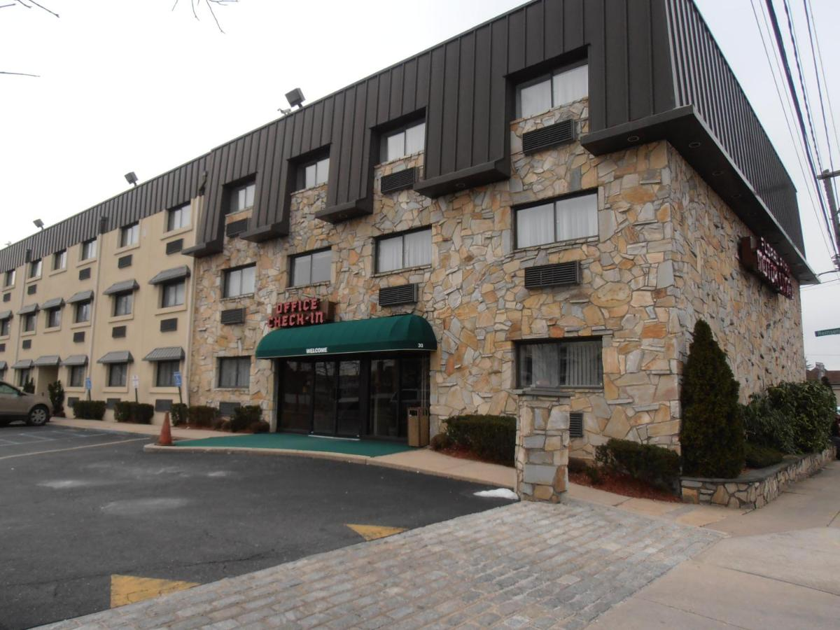 Hotels In Floral Park New York State