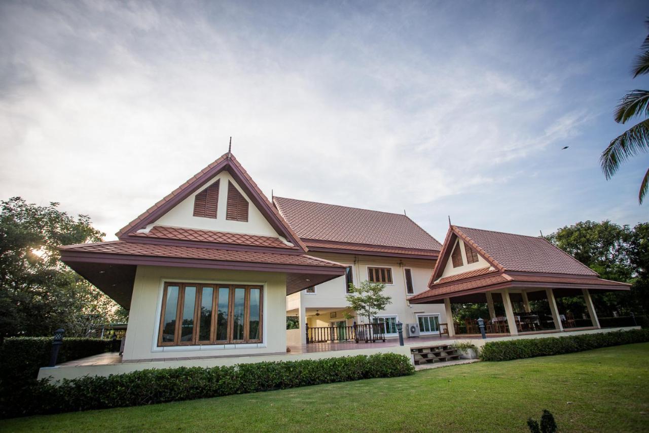 Resorts In Ban Sawaeng Ha Ang Thong Province