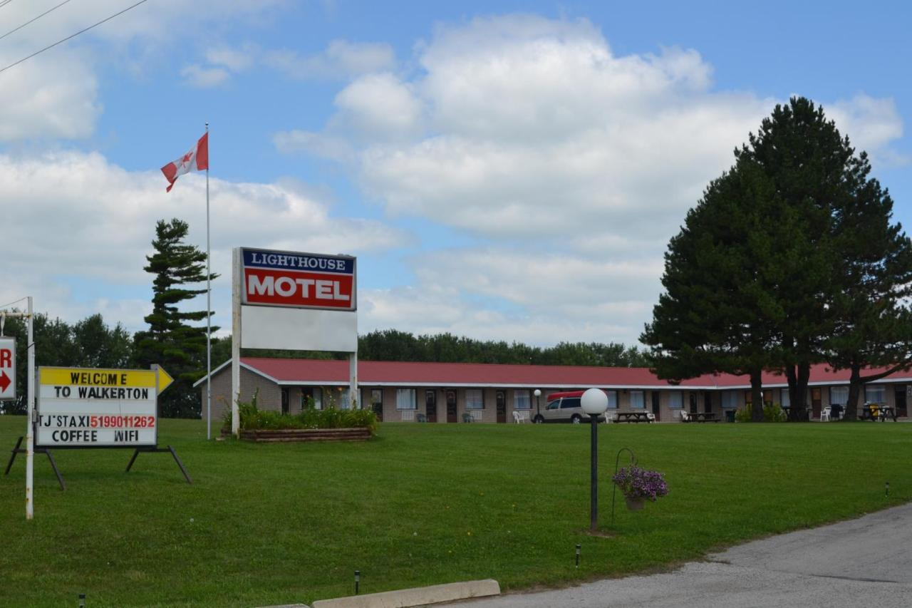 Lighthouse Motel, Walkerton, Canada - Booking.com