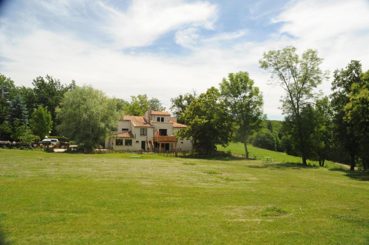 Guest Houses In Paulhiet Rhône-alps