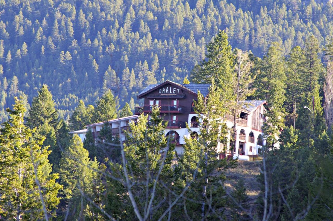 Hotels In Radium Hot Springs British Columbia