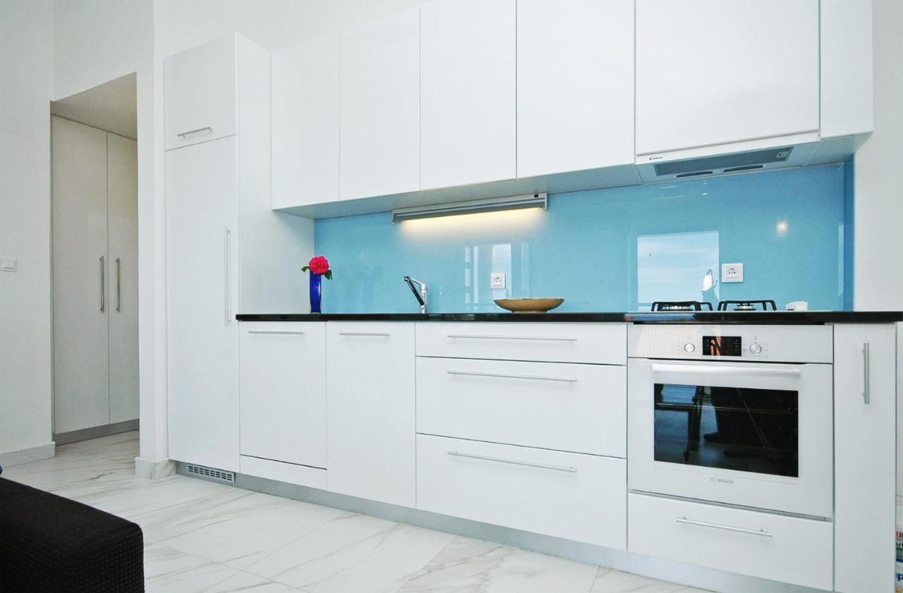 Apartments Victoria Privlaka, Croatia - Booking.com