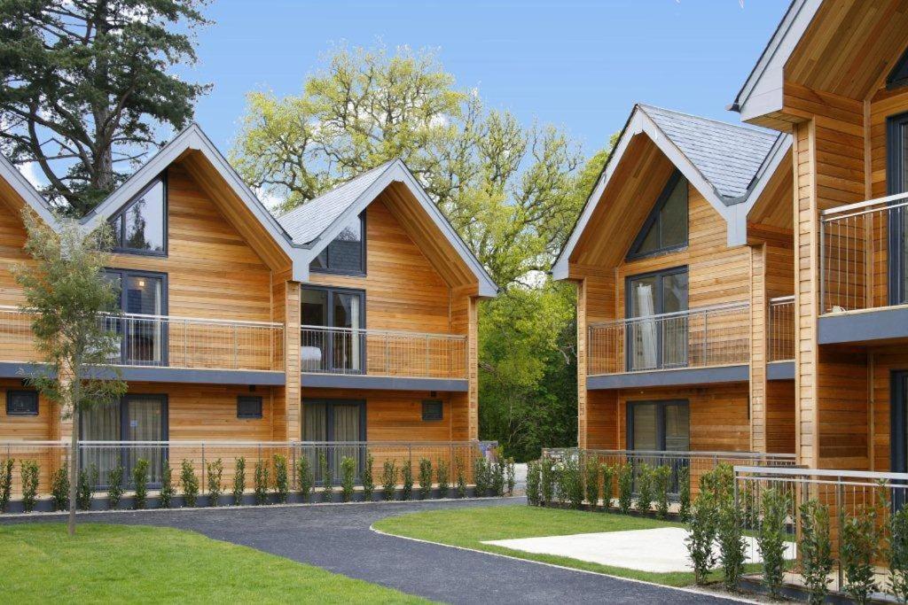 Northbrook Park Mews Farnham UK Deals