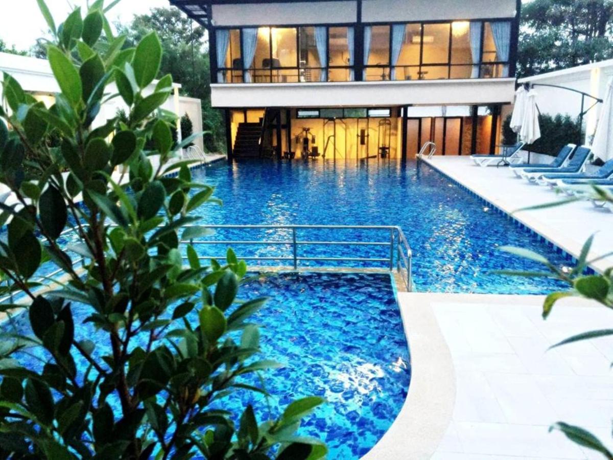 Hotels In Ko Si Chang Chon Buri Province