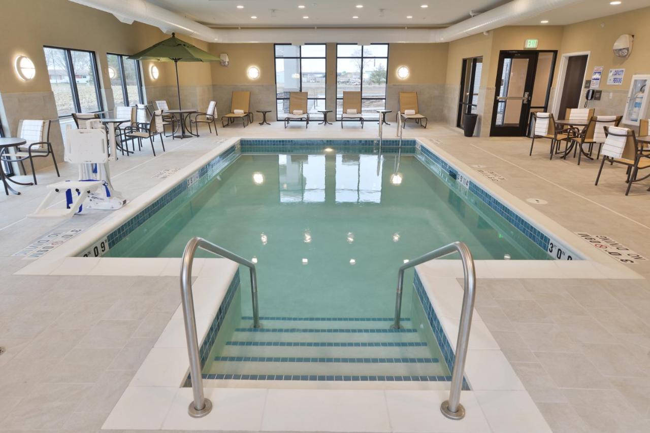 Hampton Inn Suites Chippewa Falls Wi Booking