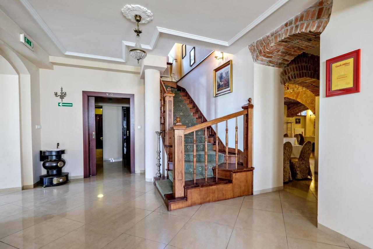 hotel dwór stary chotów, kalisz, poland - booking, Badezimmer ideen