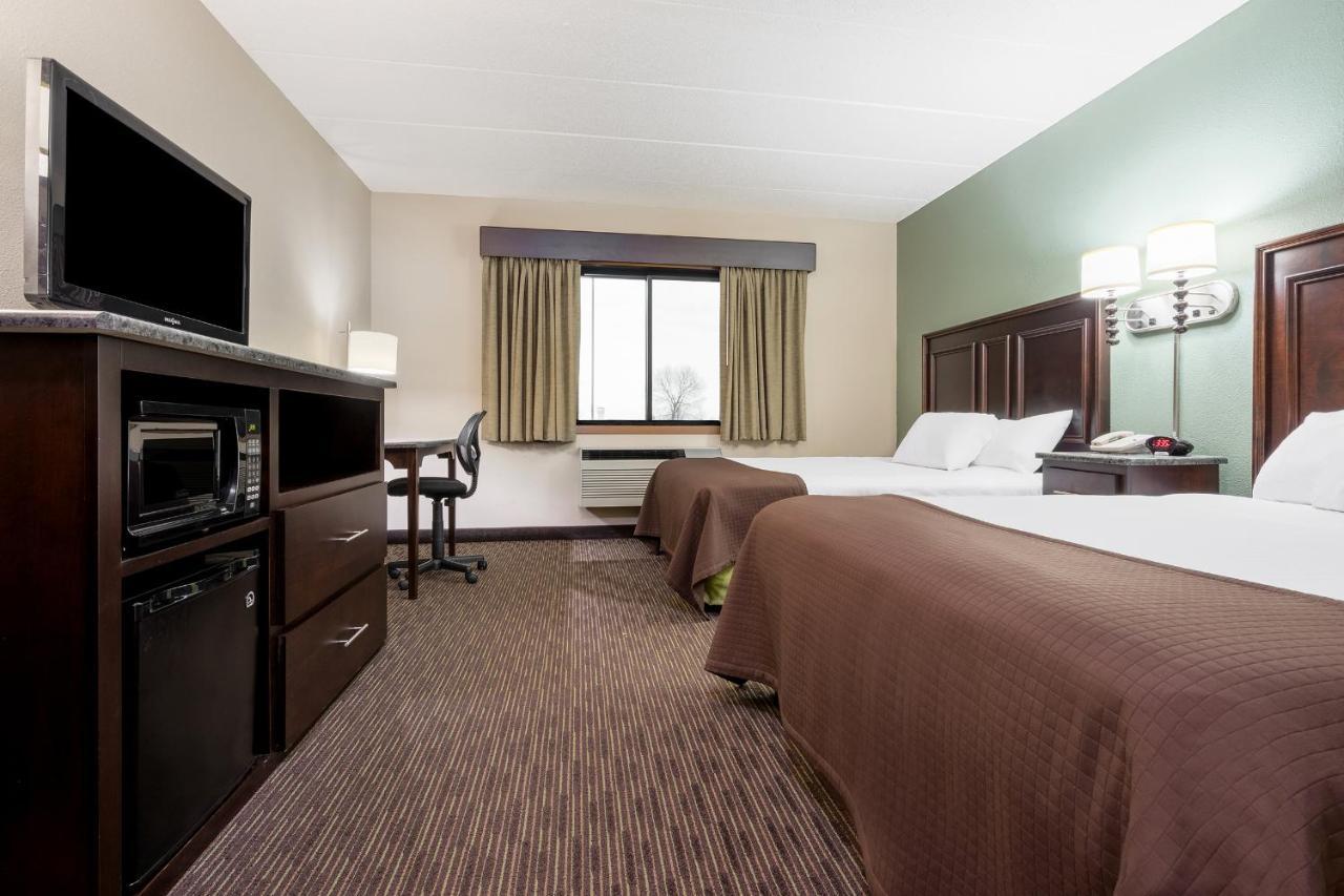 Hotels In Middle Ridge Wisconsin