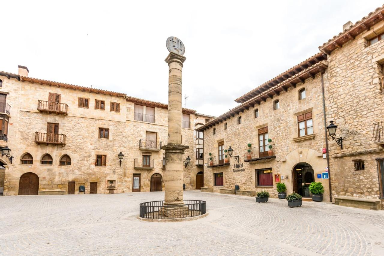 Hotels In Lledó Aragon
