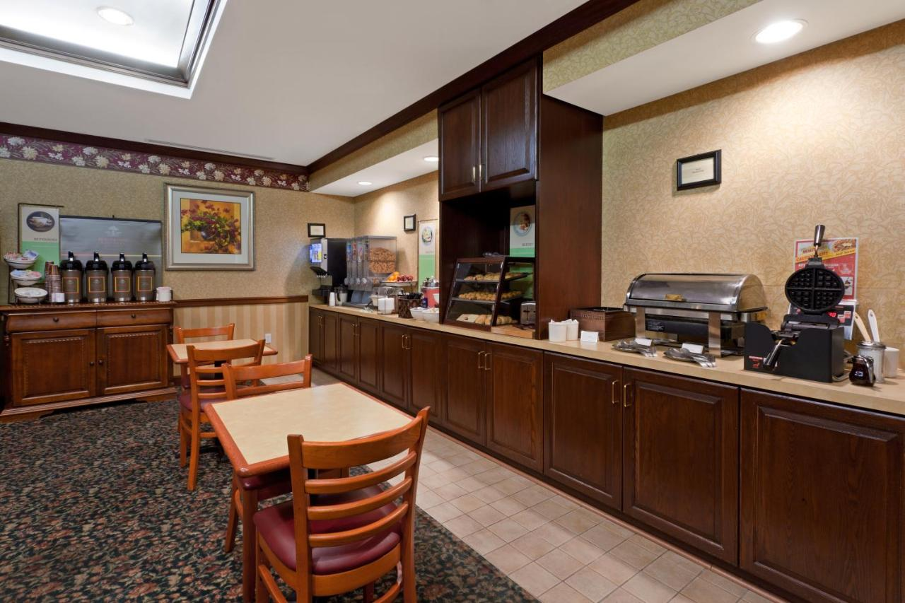 Country Inn & Suites, Newark, DE - Booking.com