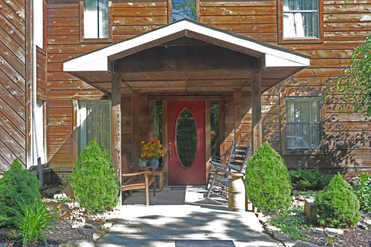 Adults-Only Pandora\'s Forest Resort, Campbell Junction, TN - Booking.com