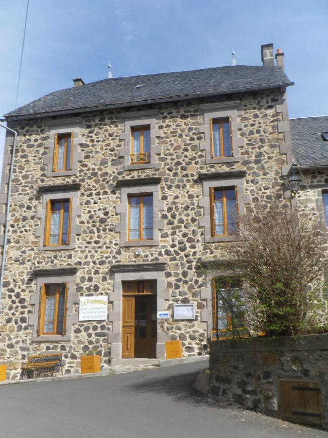 Guest Houses In Saint-beauzire Auvergne