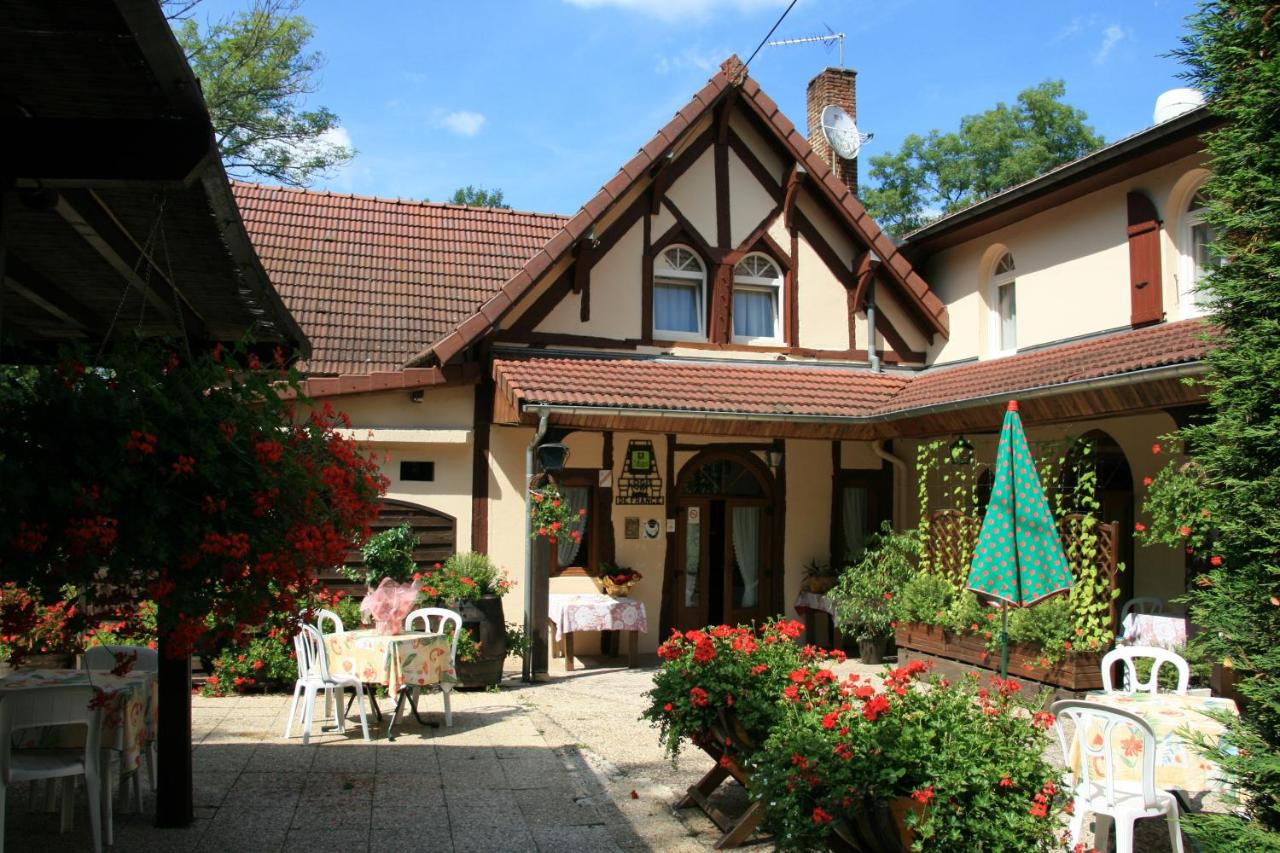 Hotels In Pontoux Burgundy