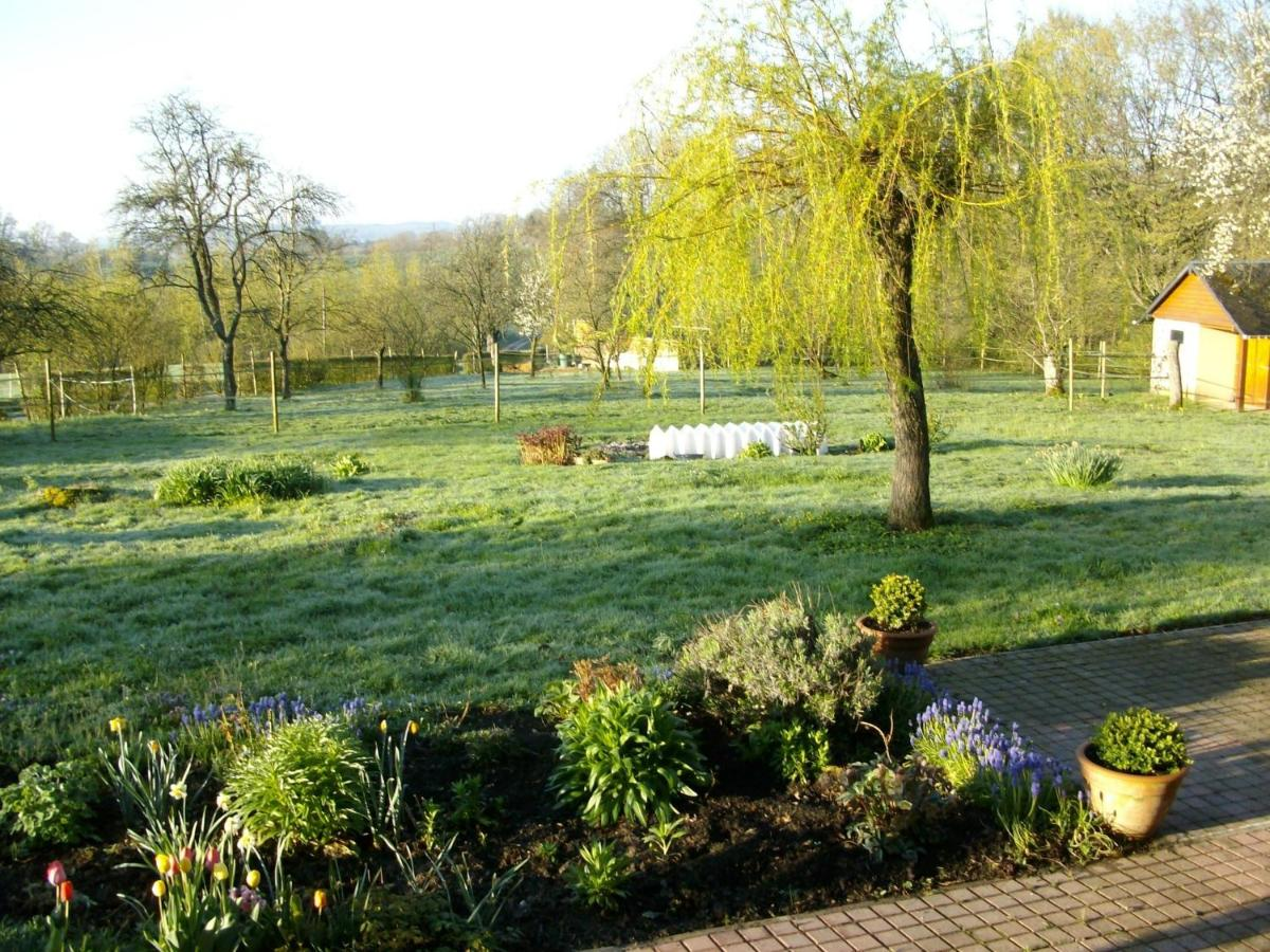 Bed And Breakfasts In Rouvroy-sur-serre Picardy