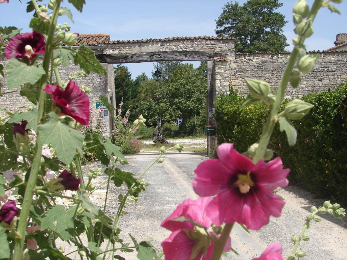 Guest Houses In Périgny Poitou-charentes